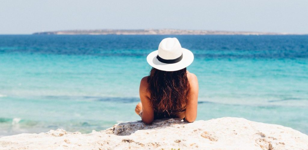 The Best Ways to / How to Protect Colored Hair from Sun, Chlorine, and Salt Water