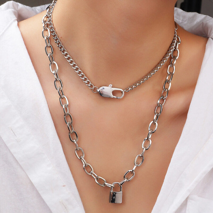 Punk Metal Lock Pendant Clavicle Chain Geometric Round Buckle Chain Multi-layer Necklace