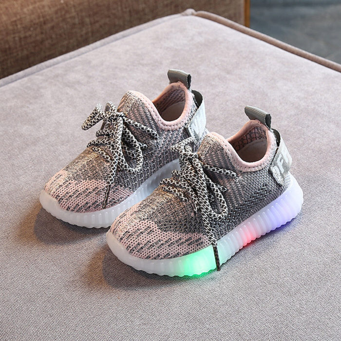 Unisex Kids Mesh Fabric Breathable Soft Sole LED Casual Sneakers