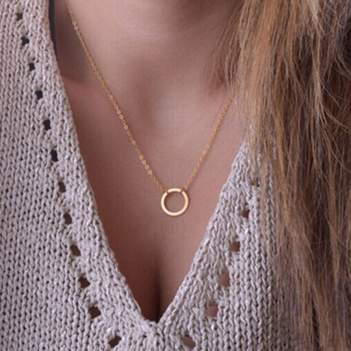 Vintage Geometric Metal Small Circle Pendant Necklace