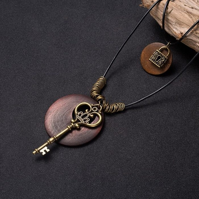 Vintage Long Charm Necklace Tree Hat Key Leaf Eiffel Tower Necklaces Ethnic Jewelry for Women